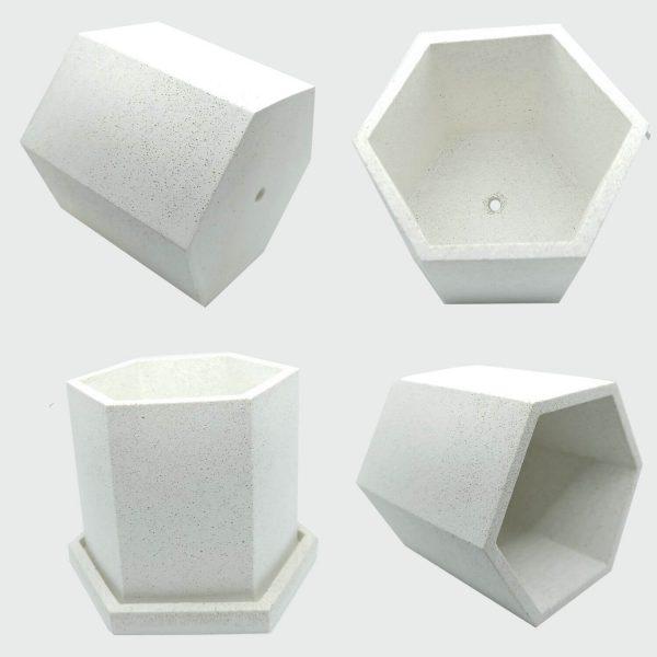 Macetero de cemento blanco hexagonal