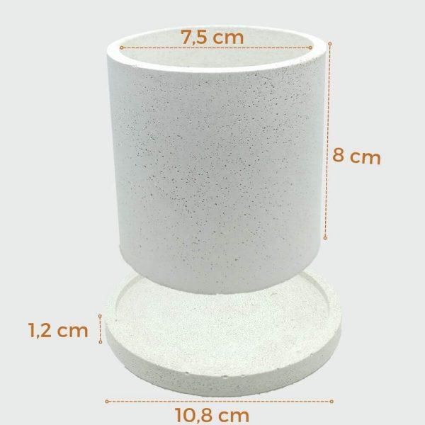 Macetas cilíndricas de cemento blanco pequeñas