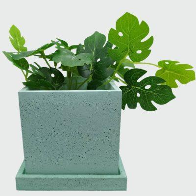 Maceta de cemento cuadrada verde